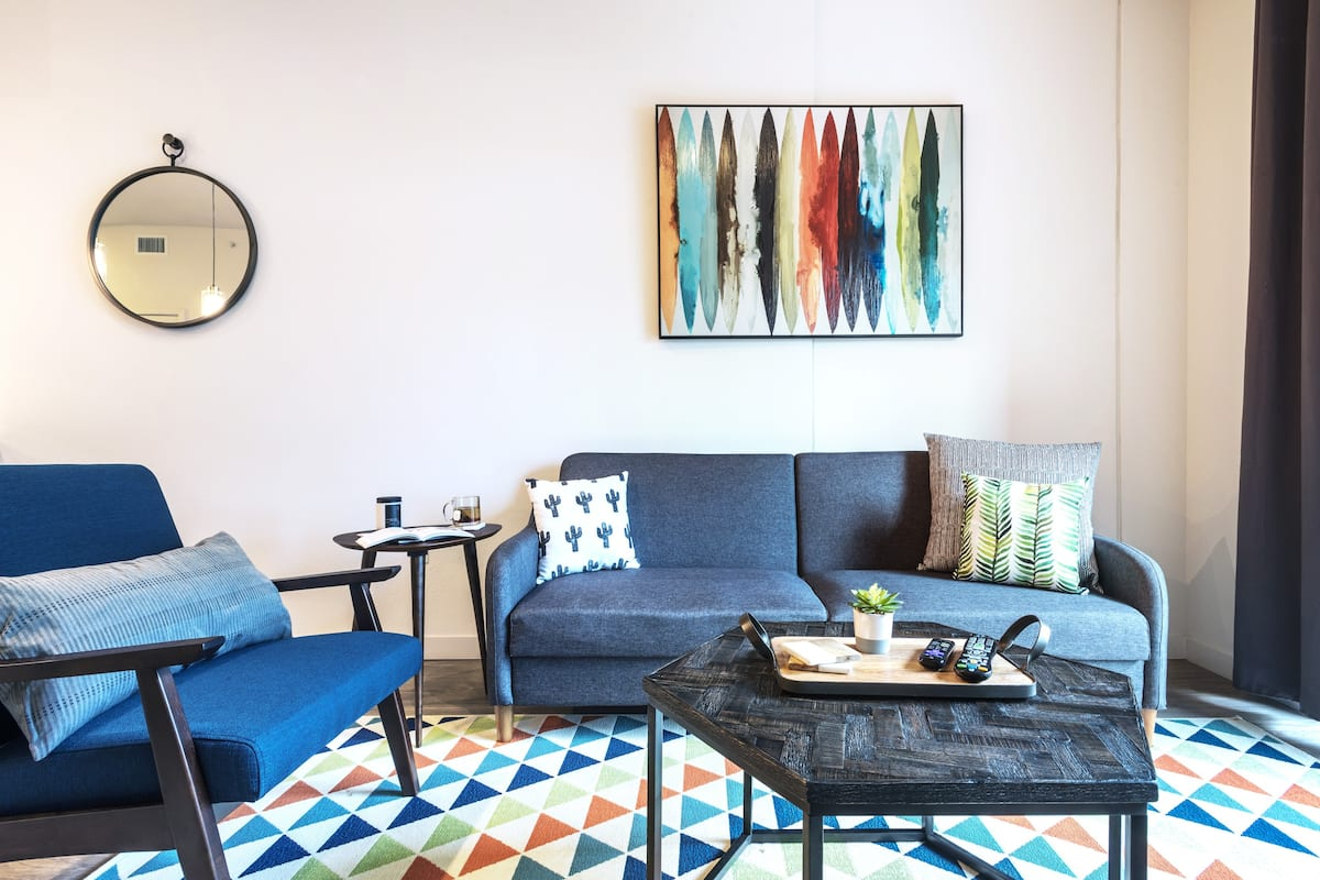 Stylish King Suite on Rainey Street by Locale