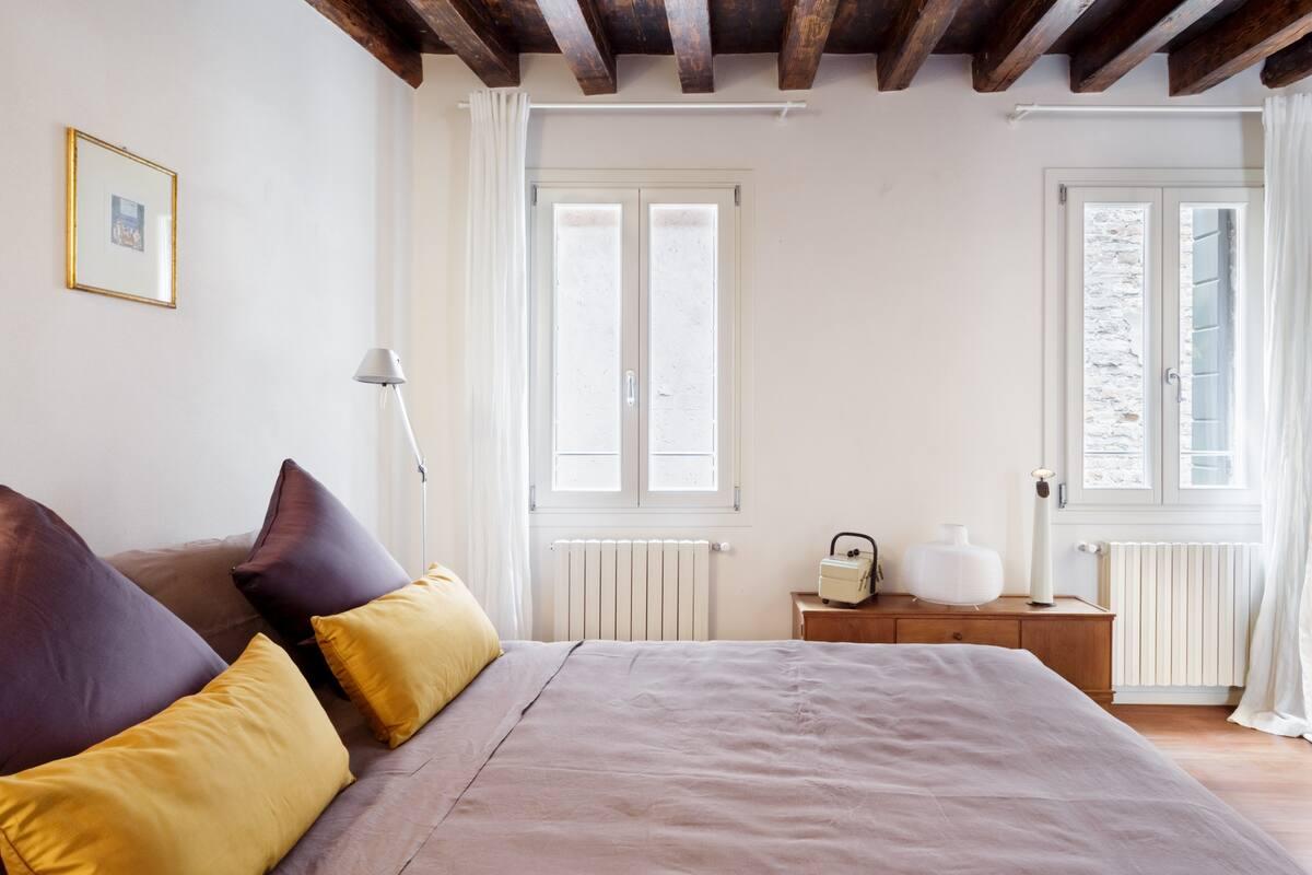 Spazioso e centrale appartamento nel sestiere San Marco, caldo e accogliente