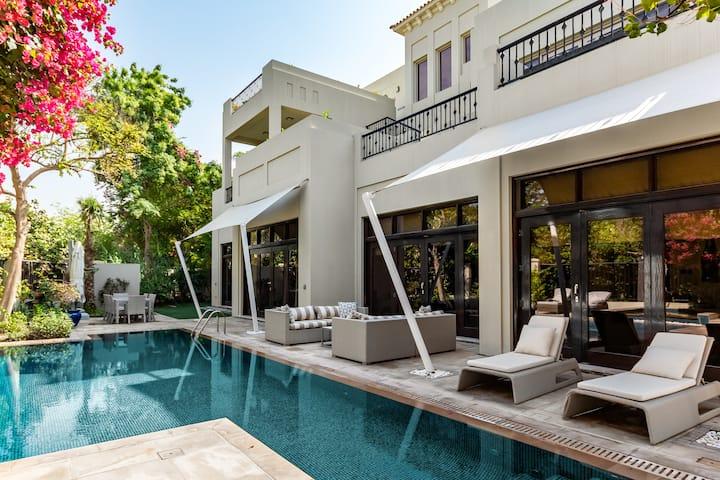 Al Barari 6BR Luxury Villa