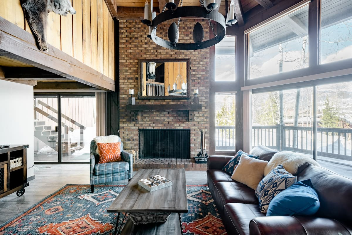 Rustic Luxury Cabin With Sleeping Loft in Silverthorne