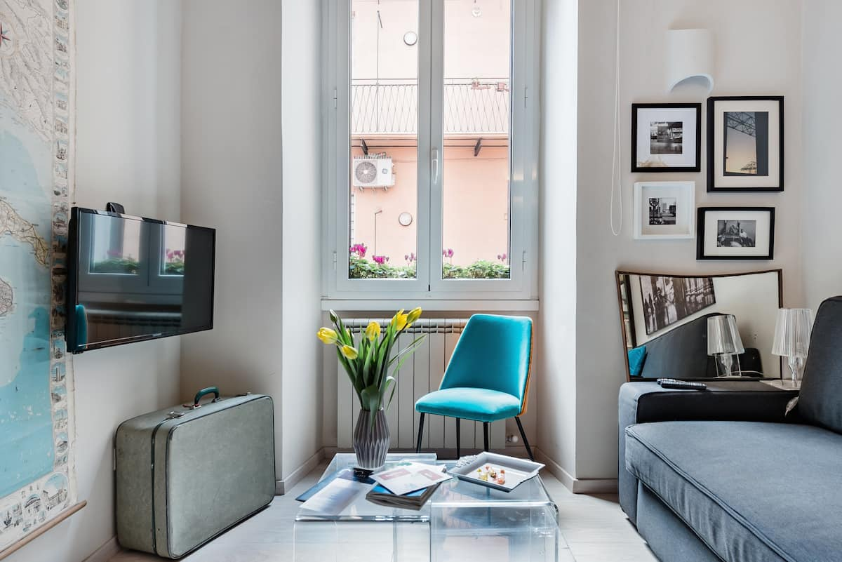 Discover the Wonders of Rome from a Charming Apartment