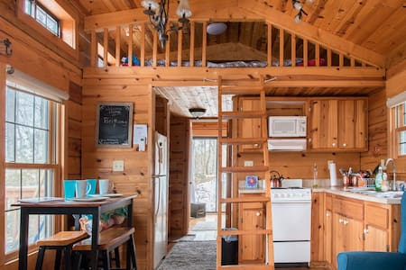 Tiny Home-private Corona Retreat, Hot Tub, Fire Pit