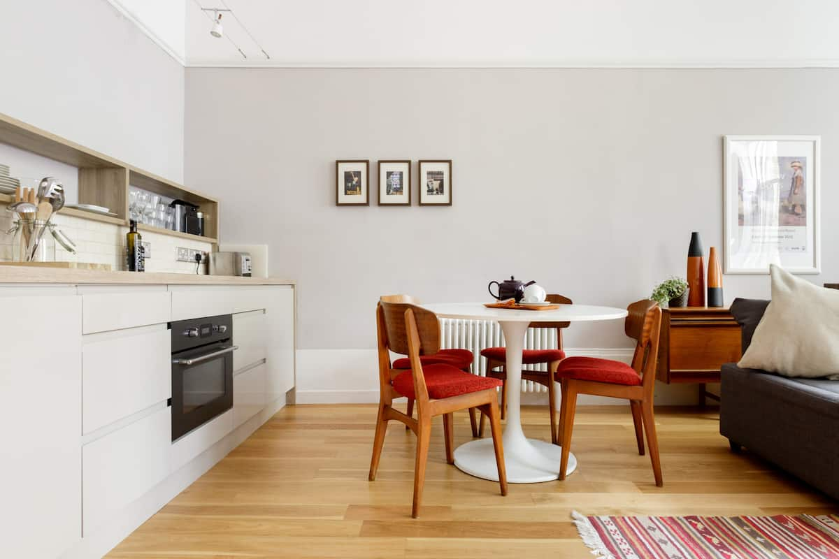 Stylish Flat in Vibrant West End near Glasgow University