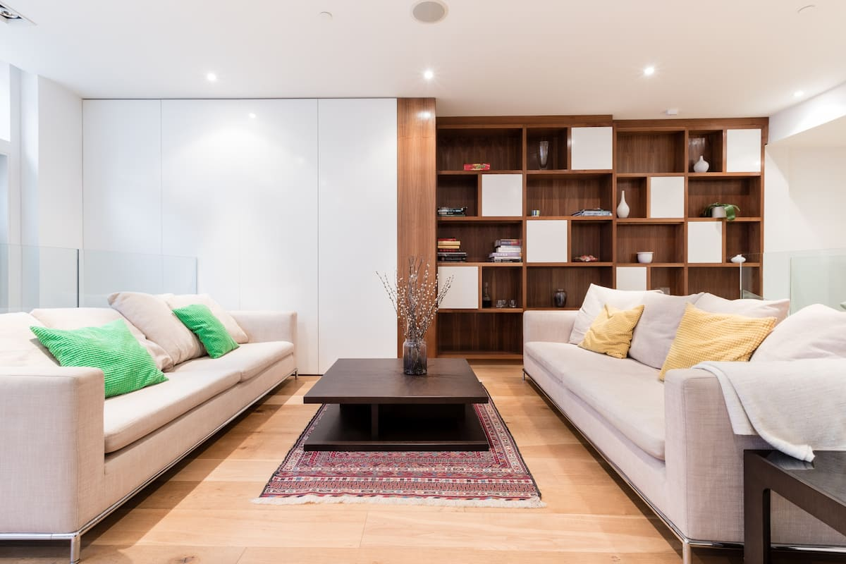 Relax in a Bright, Modern Home in South Kensington