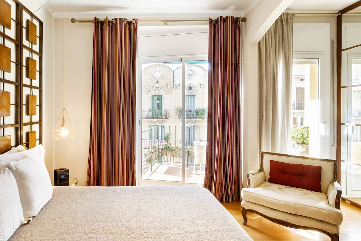 Private Room Classy Apartment Central Barcelona Plaza España