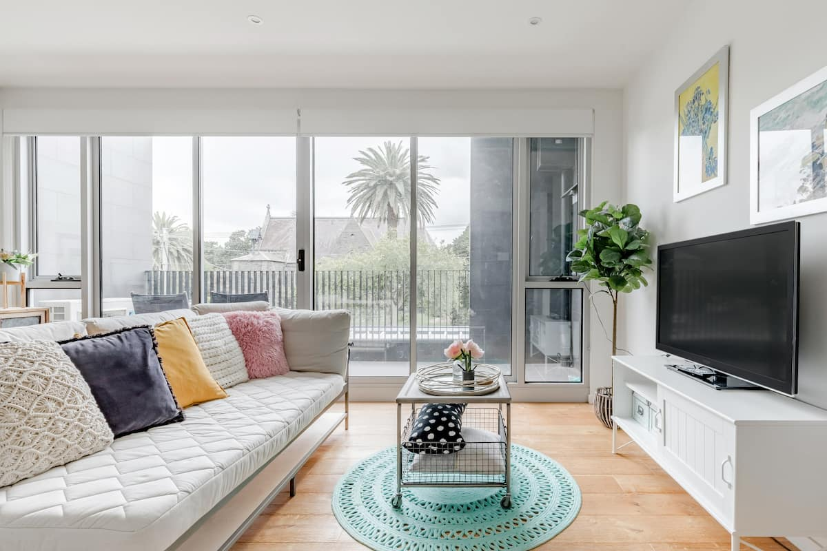 Kick Back on a Sun-Drenched Balcony at a Bijou Unit