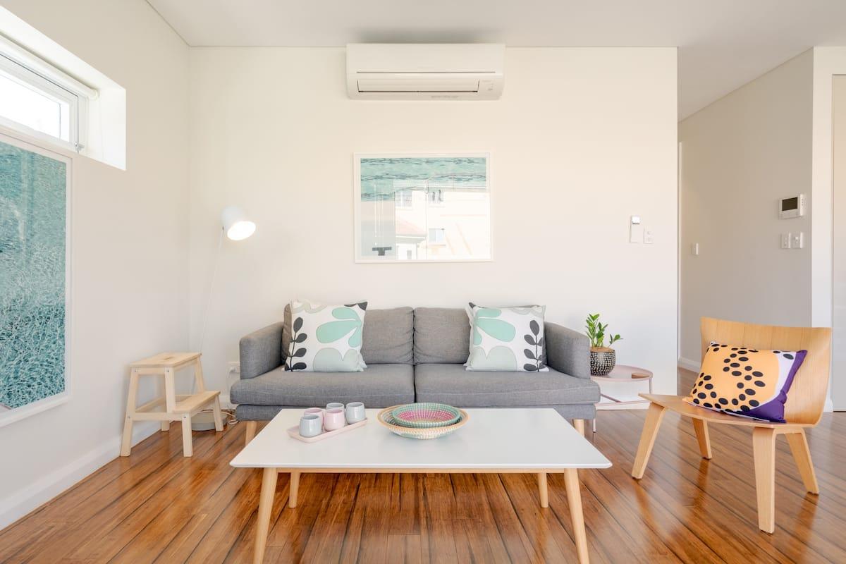 Stylish, Modern Apartment in Bondi Beach