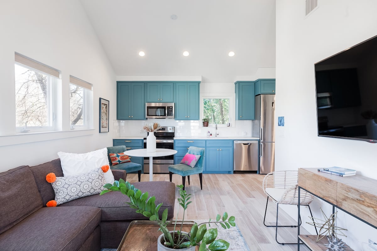 Get Creative in the Teal Kitchen at a Bright Garage Pad