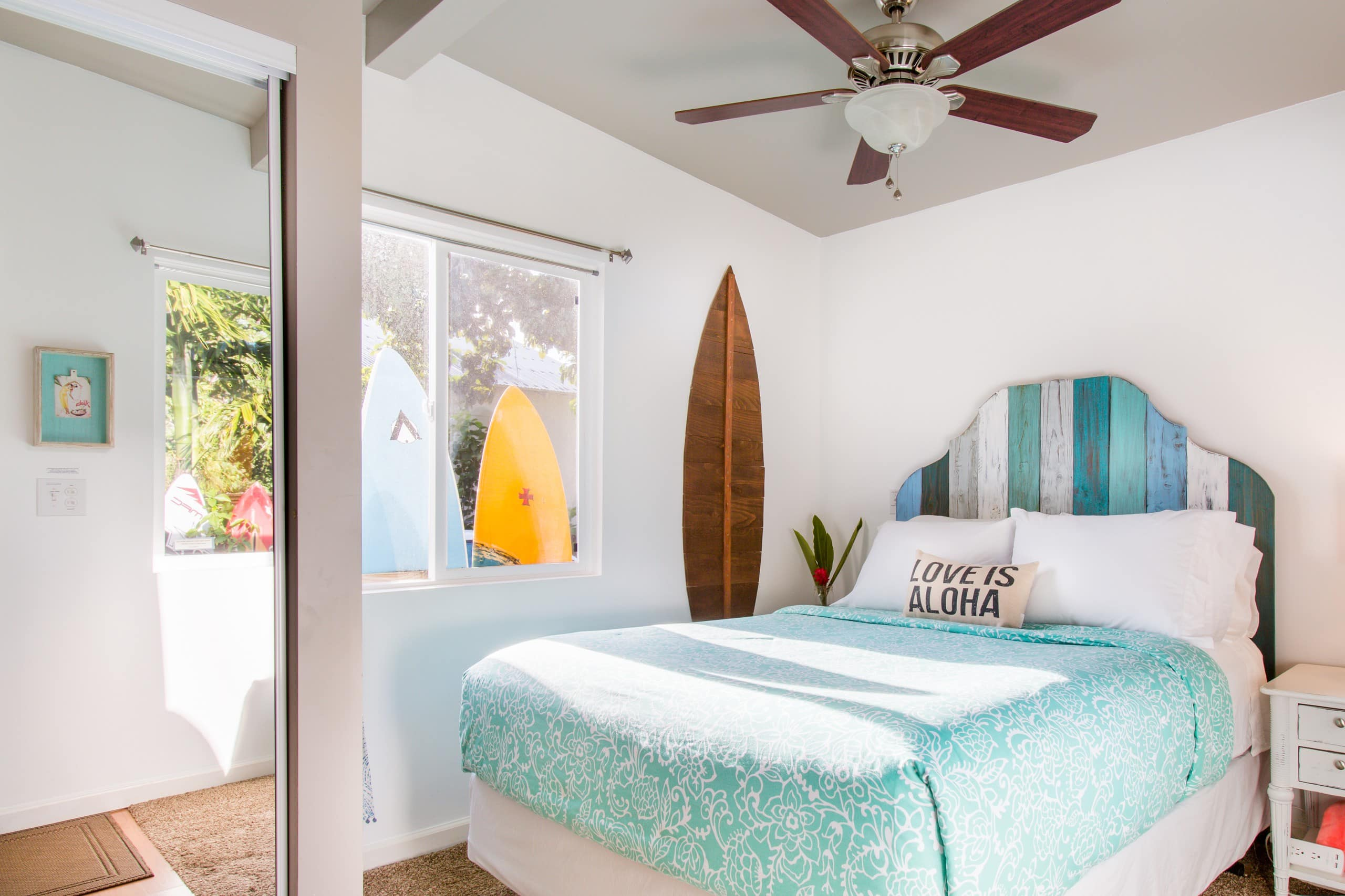 Top 10 Best Bed and Breakfasts in Maui featured by Hawaii blog, Hawaii Travel with Kids: https://a0.muscache.com/4ea/air/v2/pictures/3c3cd563-04c8-4b0b-85a3-481f4e72d7ca.jpg?t=r:w2500-h1500-sfit,e:fjpg-c90