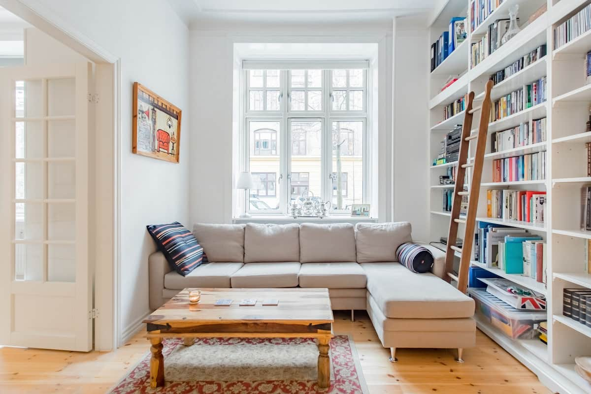 French-Style, Renovated Flat with Backyard in Frederiksberg