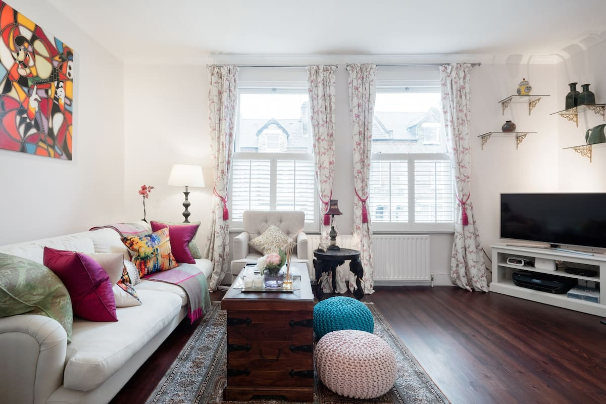 Stylish Private Room & Terrace in Centrally-Located Clapham