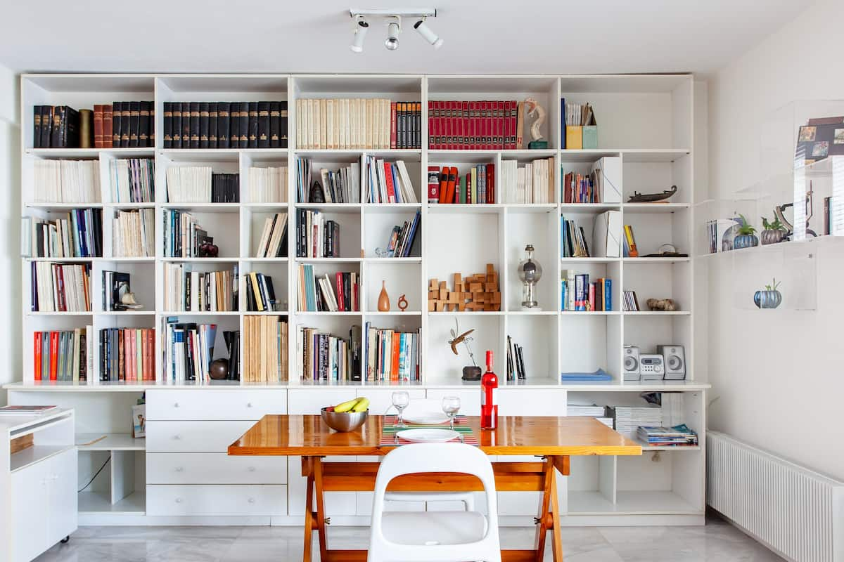 History Meets Modernity in this Central Athens Studio