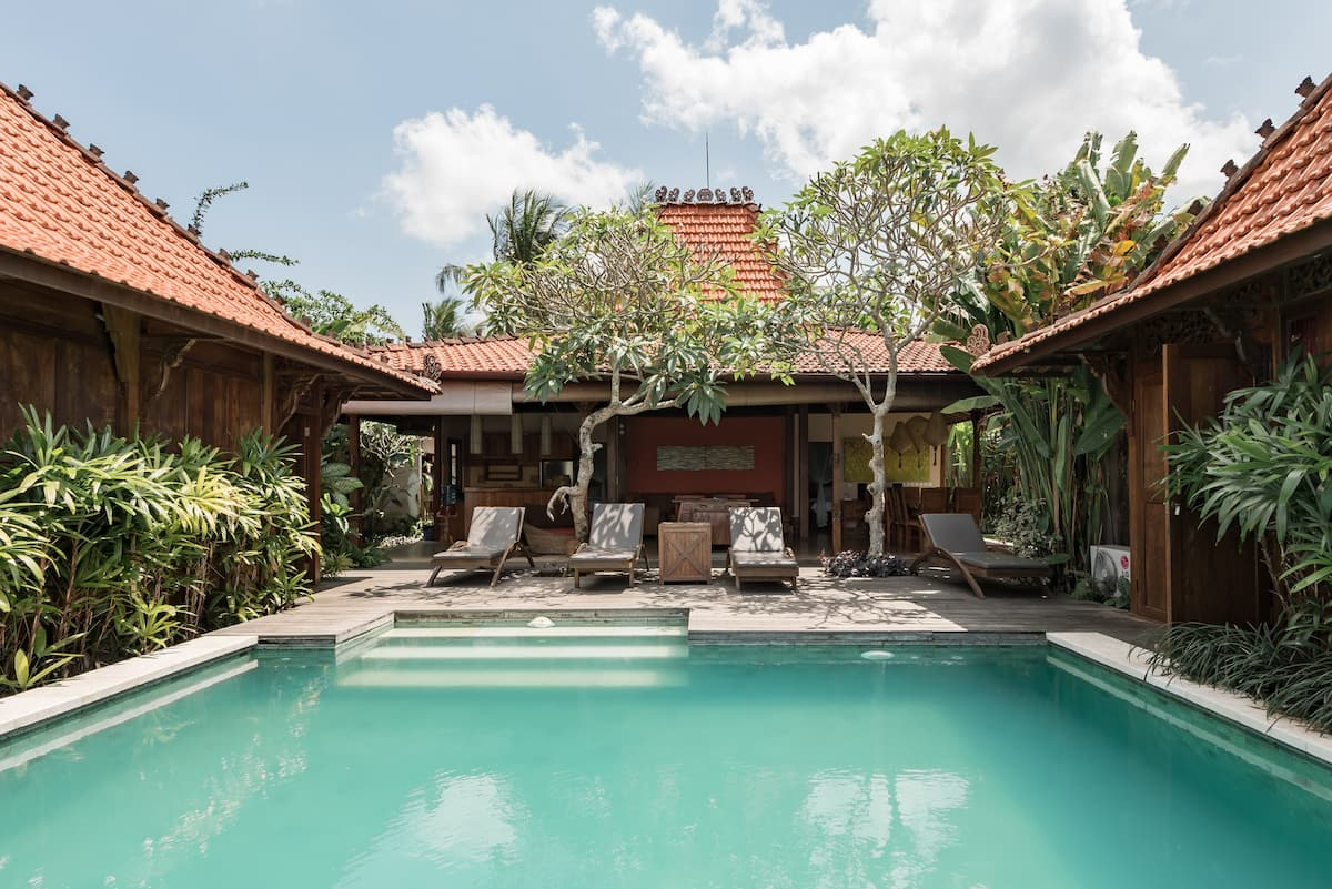 Traditional Architecture Villa with Garden Pool