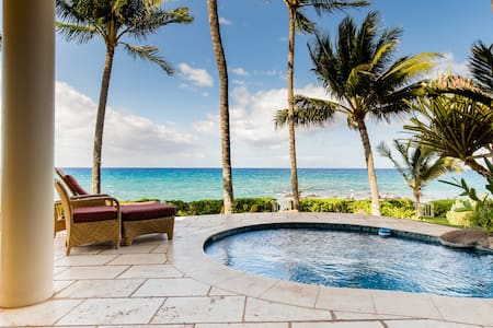 Oceanfront Paradise with Outdoor Hot Tub