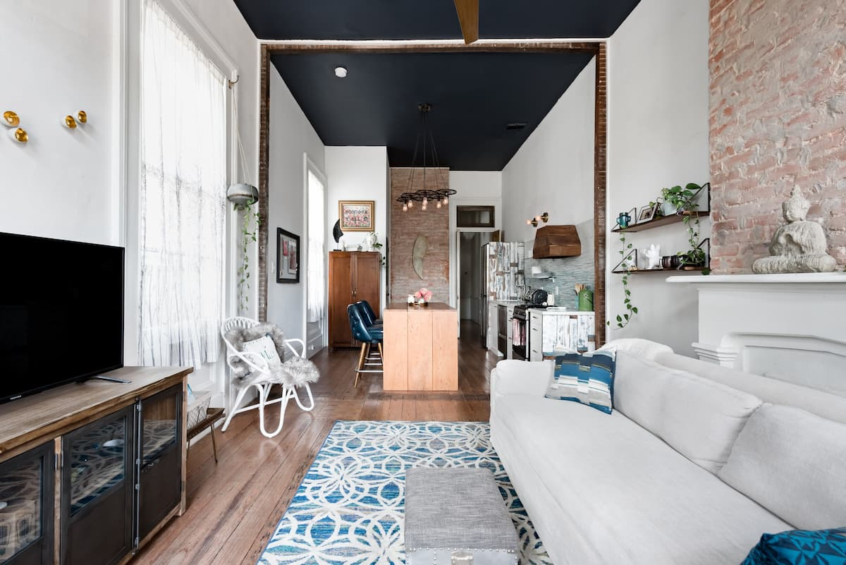 Rustic Luxe Boho Uptown Cottage, Stroll to Magazine Street