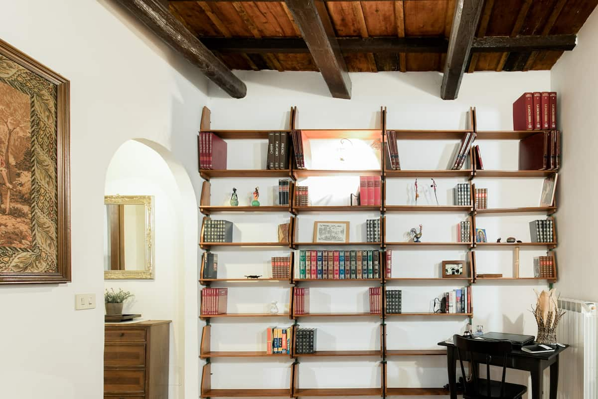 La Trasteverina Apartment Offers Rich Blend of Old and New