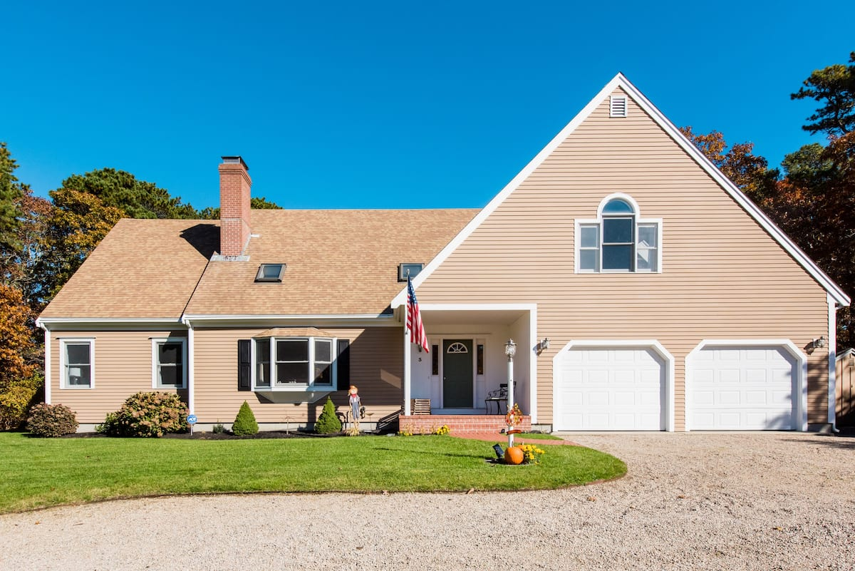 Beautiful Expansive Family Retreat on Long Pond
