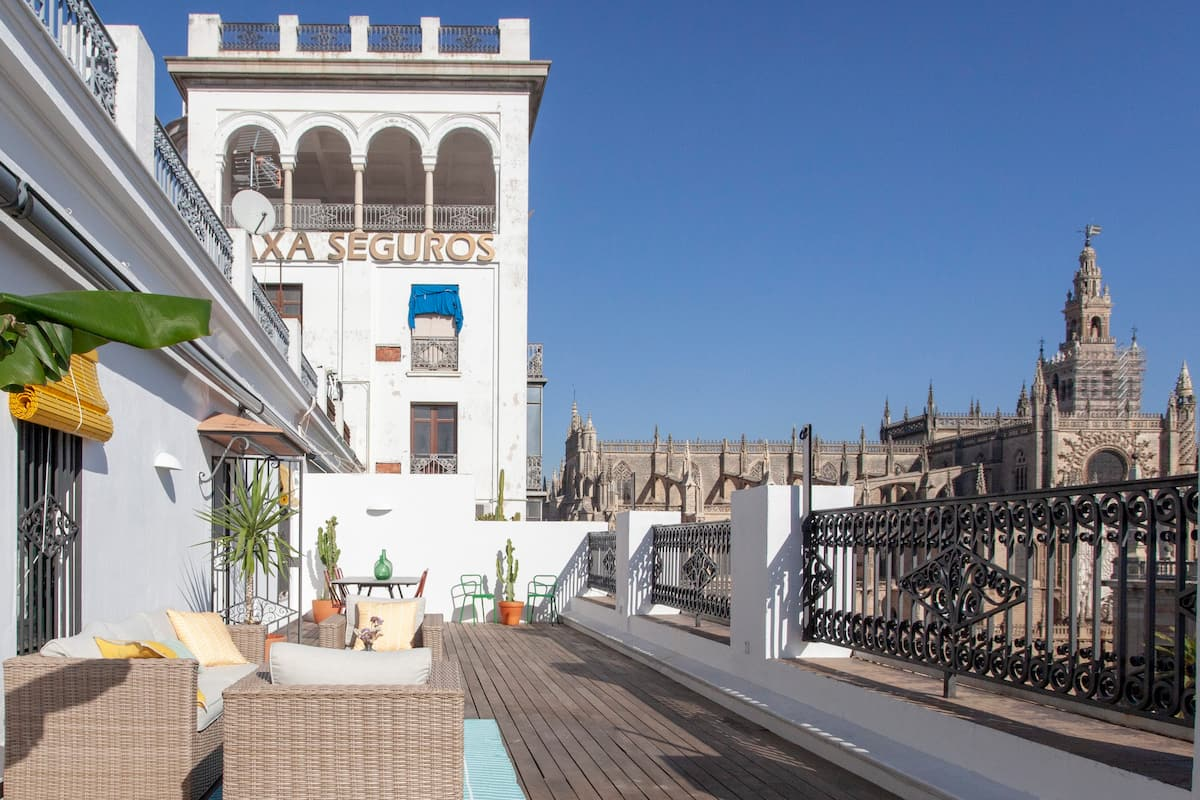 Penthouse with Large Private Terrace in Front Cathedral