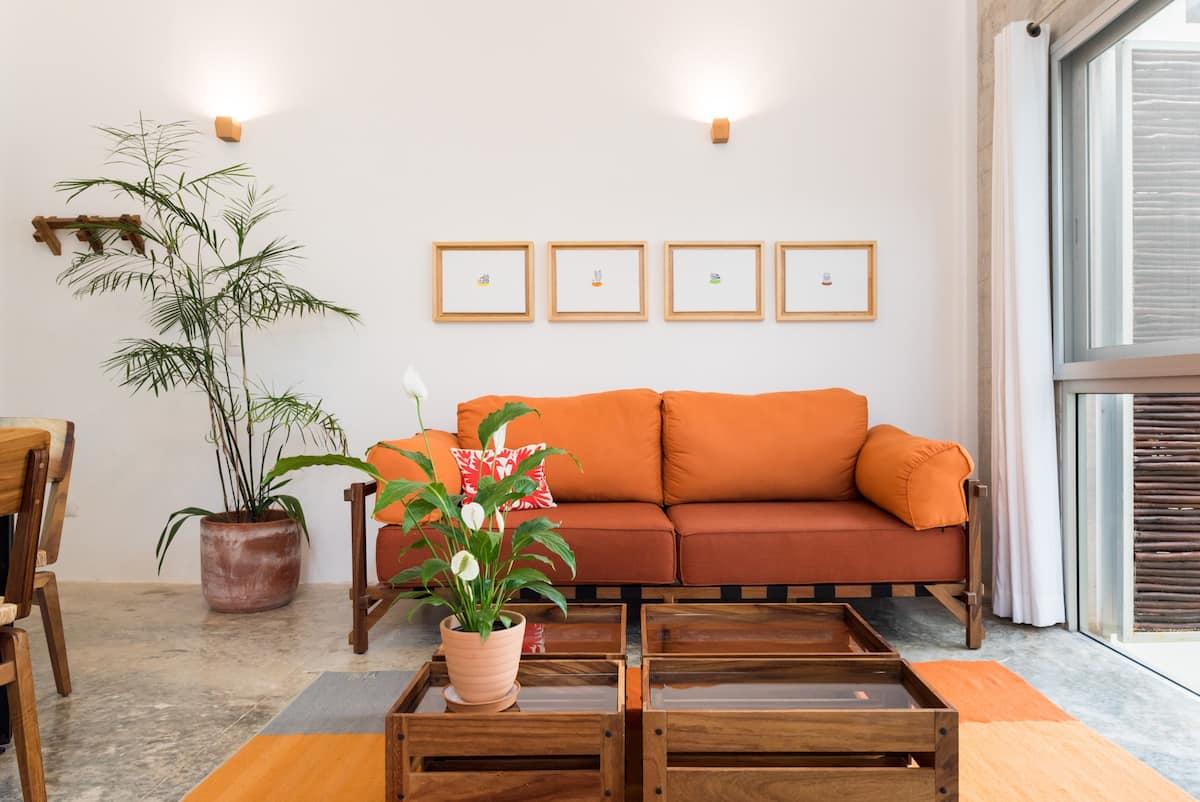 Minimalist Studio in Contemporary Architecture Building