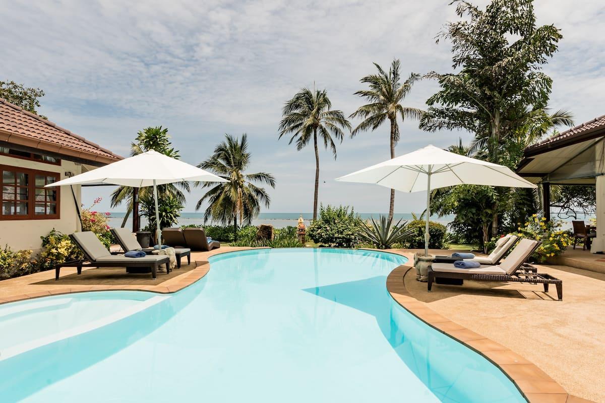 Stunning Beachfront Villa on Ko Samui