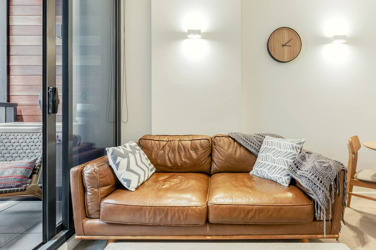 Abode 313—Flinders Street Boutique Apartment