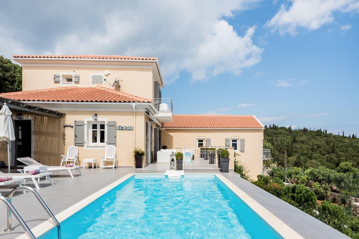 Villa Andromahi A Spectacular Summer Villa