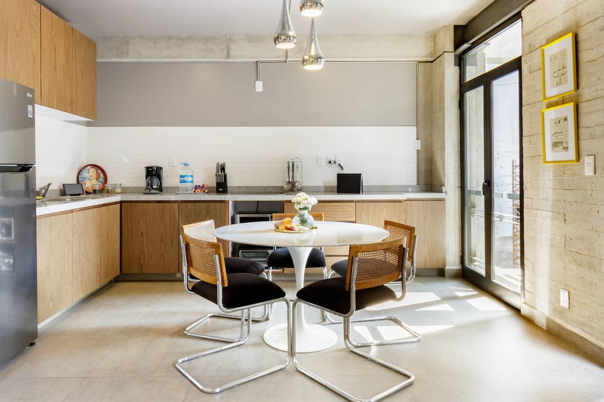 Explore Roma Norte from an Industrial-Chic Apartment