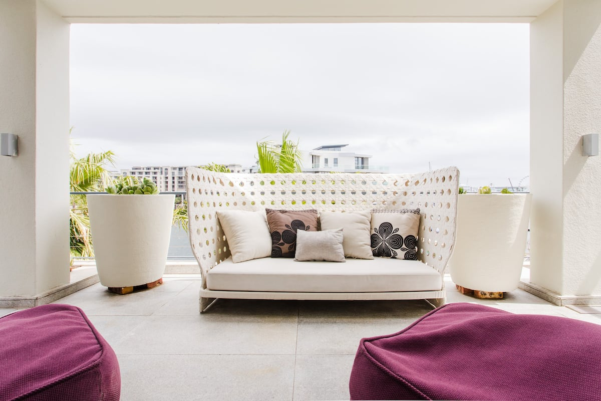 Enjoy Marina views from a V&A Waterfront Penthouse