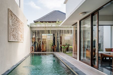 Sun-Dappled New-Build Villa With Sprawling Views