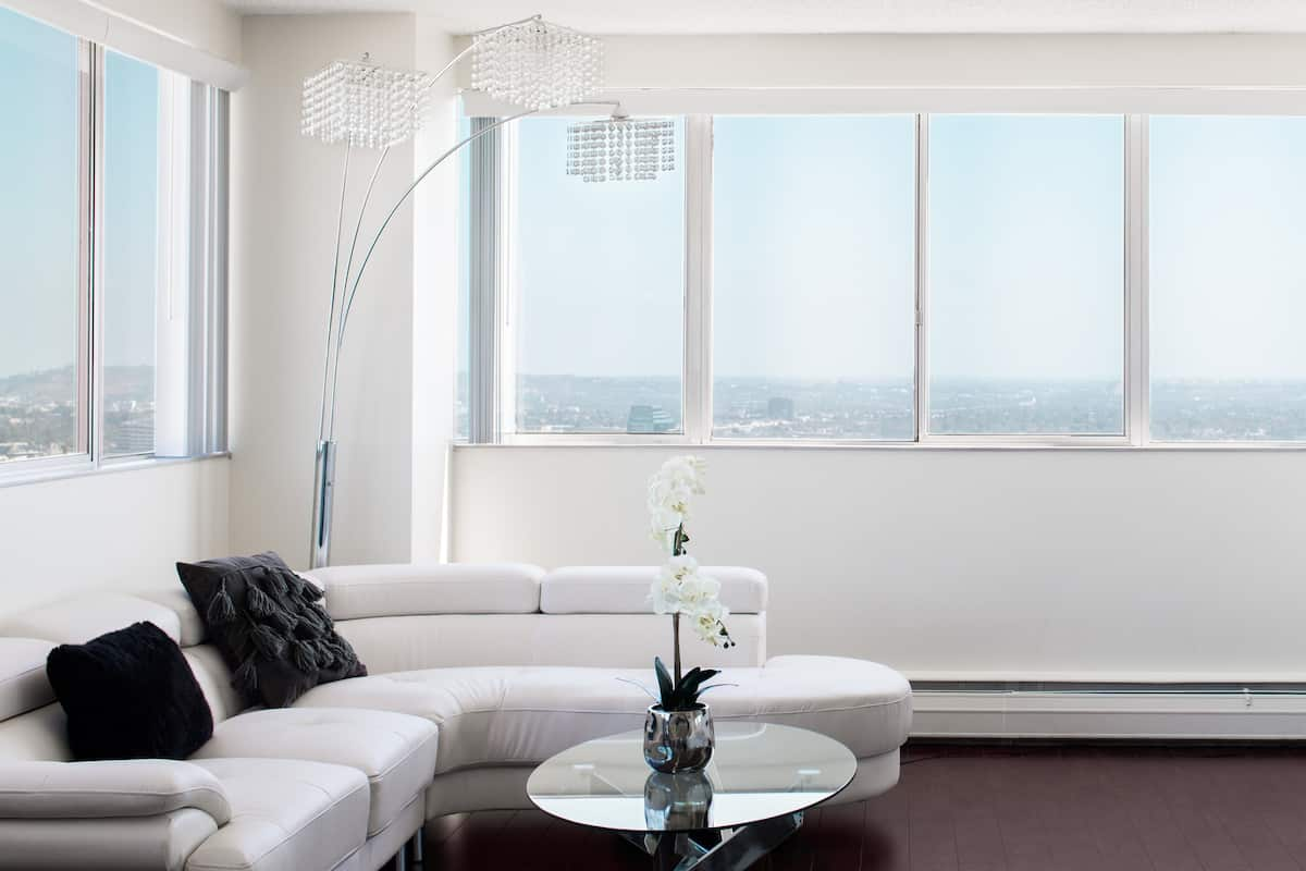 Take in all of LA from a Chic, High-End Penthouse