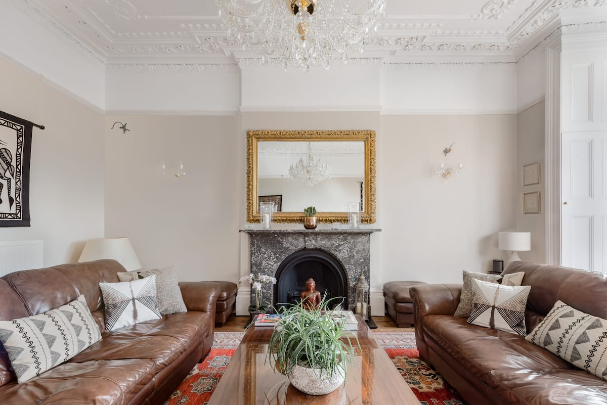 Grand Victorian Apartment in Sought-After Clifton