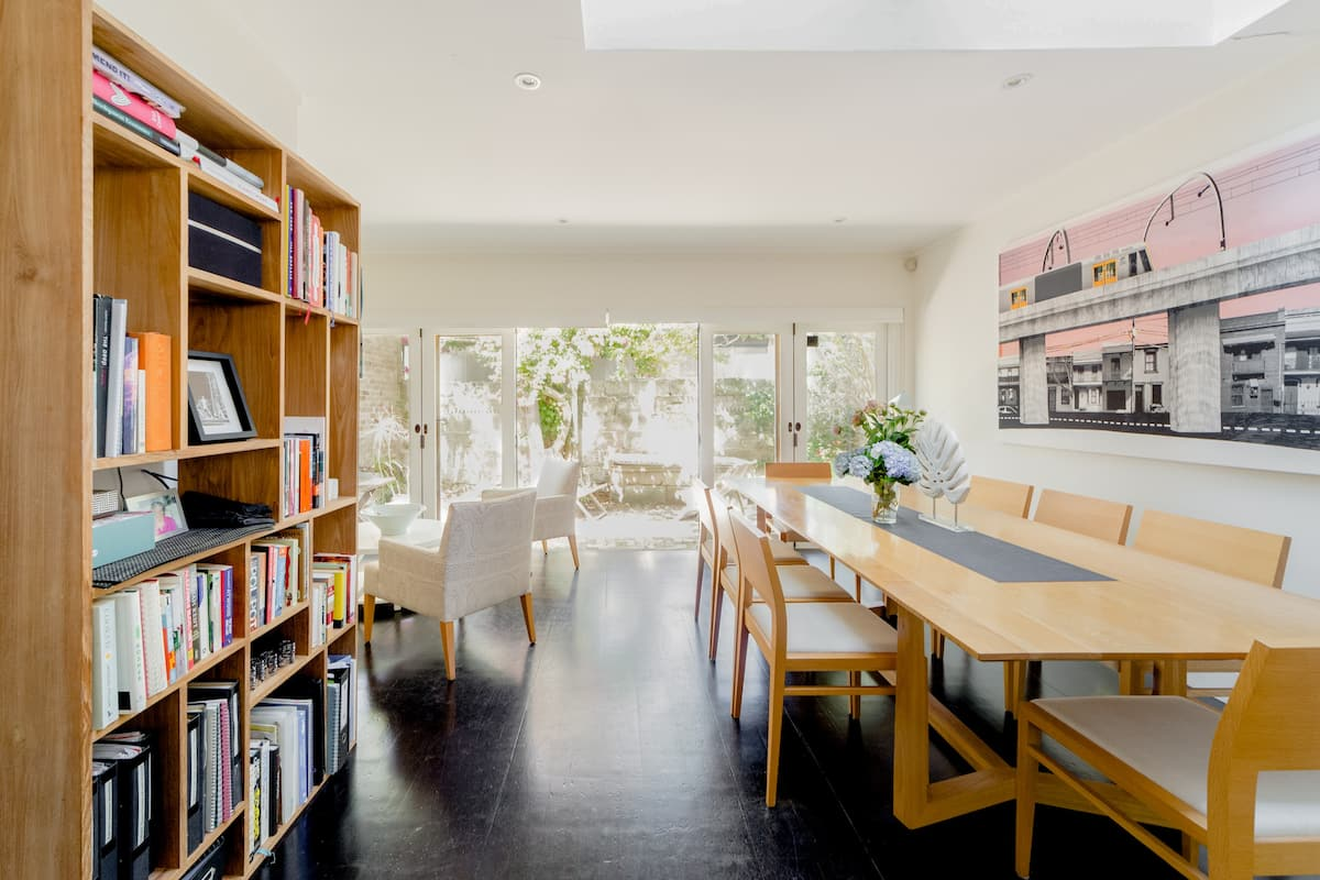 Relax in a Tastefully Decorated East Balmain House