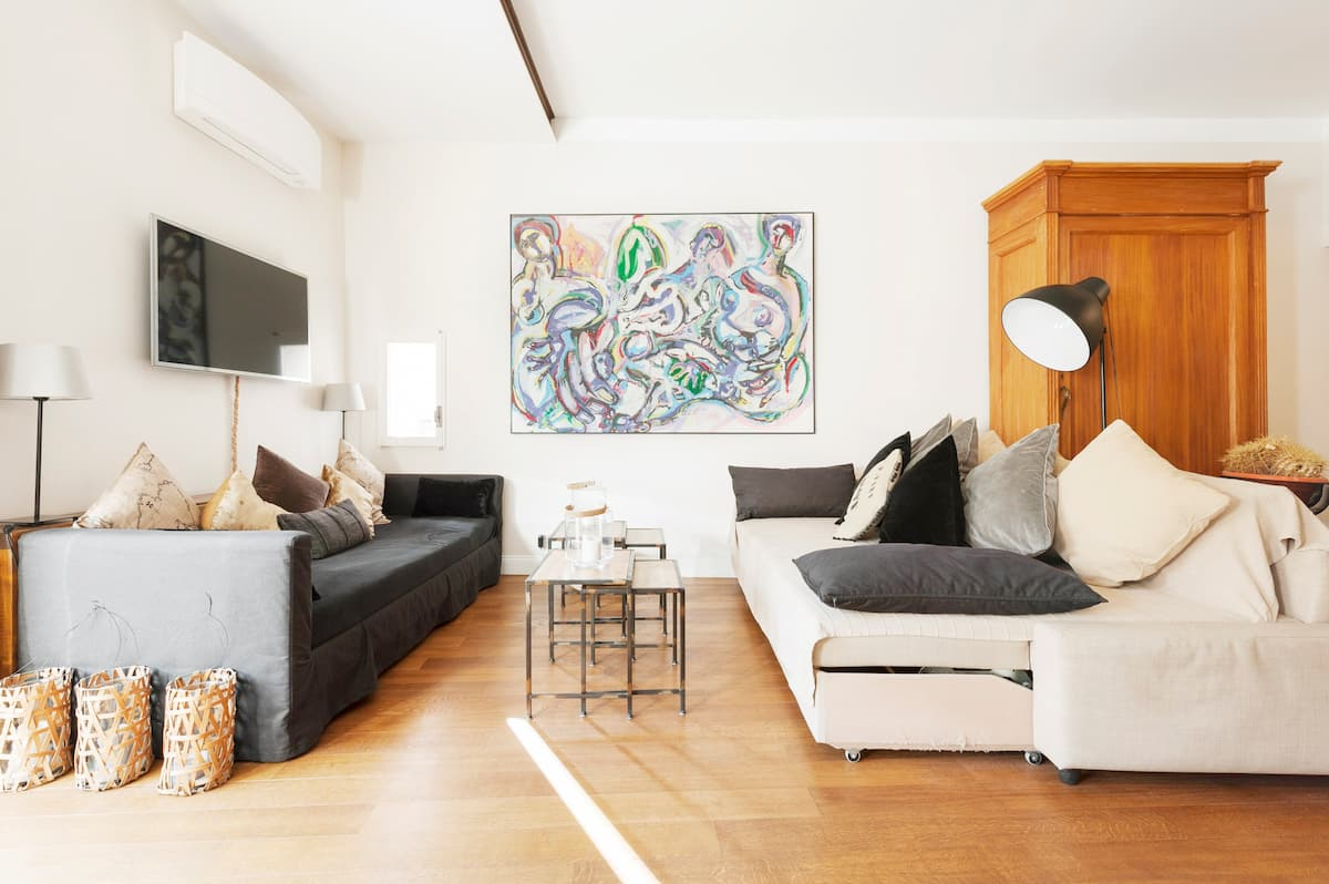 Live in the heart of Rome in a charming with terrace Apartment in Monti Colosseum