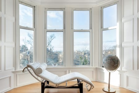Gorgeous Views from an Elegant Apartment in Bruntsfield