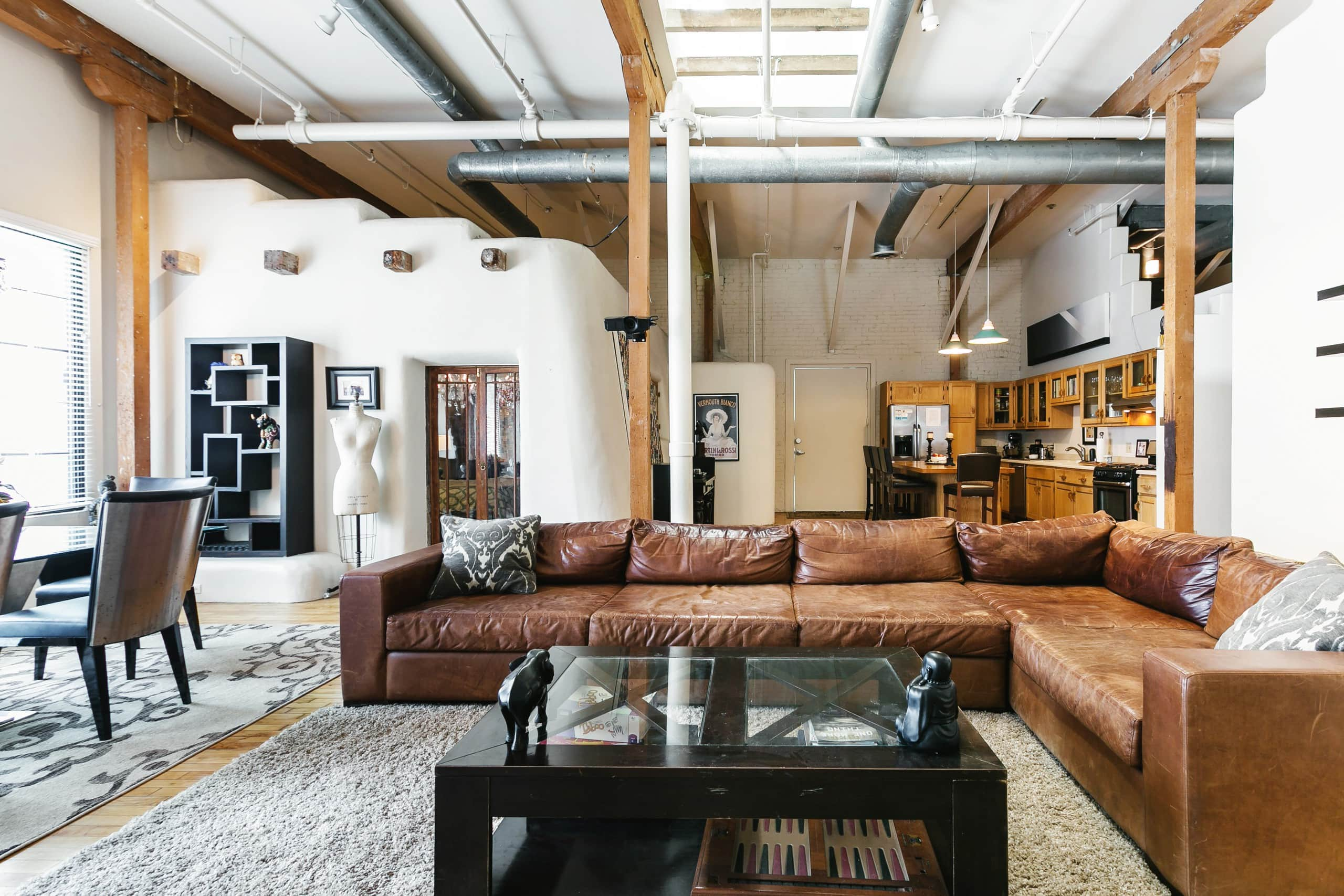 luxury downtown loft with pool lofts louer los. Black Bedroom Furniture Sets. Home Design Ideas
