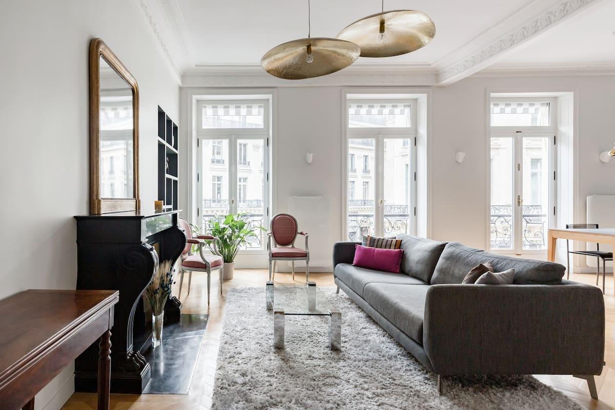 Sublime appartement de style Empire quartier Opéra, lumineux et calme