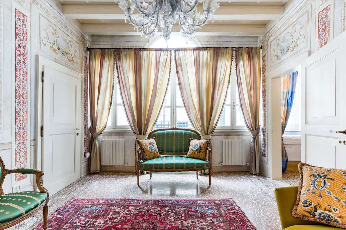 Explore Venice From a Sophisticated Hideaway in San Polo