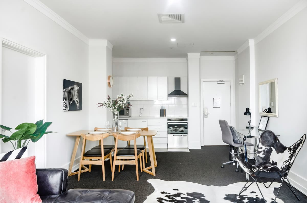 Find Inspiration in This Urban Chic Pad with Hotel Amenities