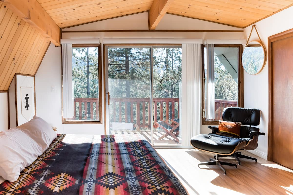 Wind down at a Moonridge Cabin with Ski Slope Views