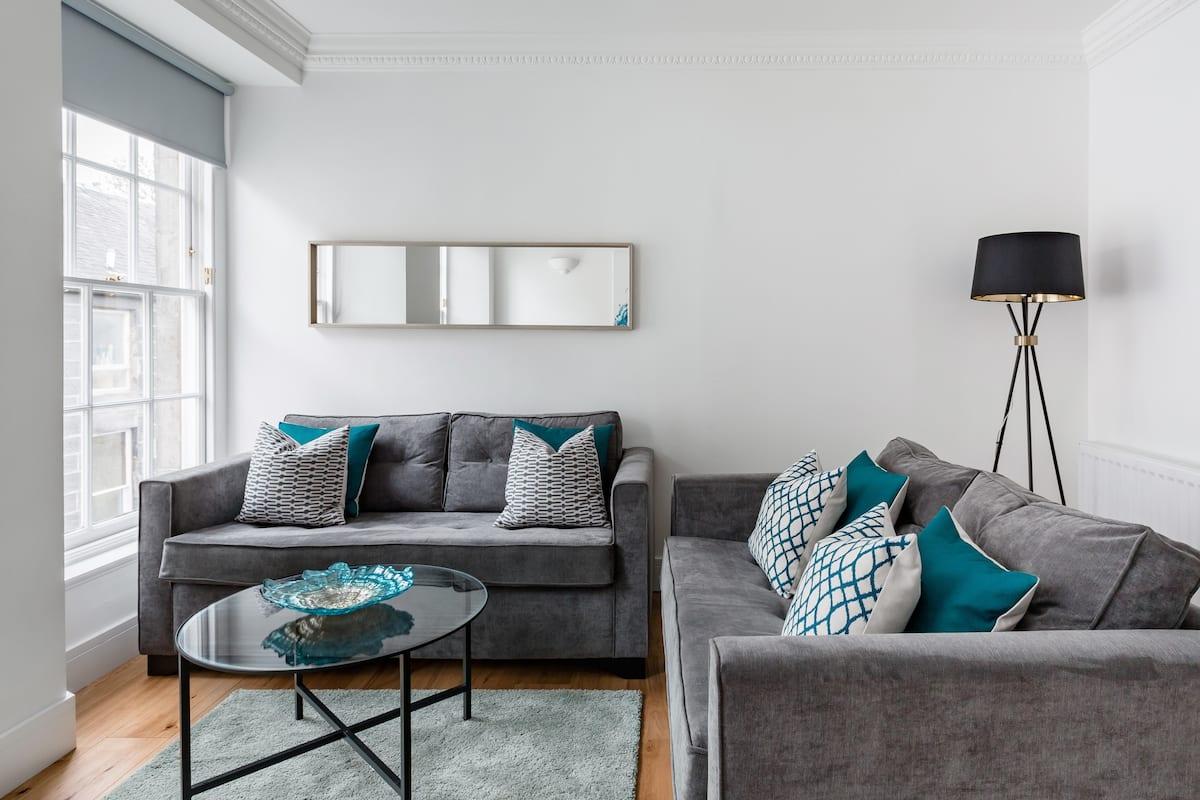Stylish Edinburgh Apartment in Boho Neighbourhood