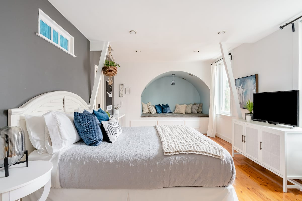 Peaceful Guest Suite in Central Castro With Easy Parking