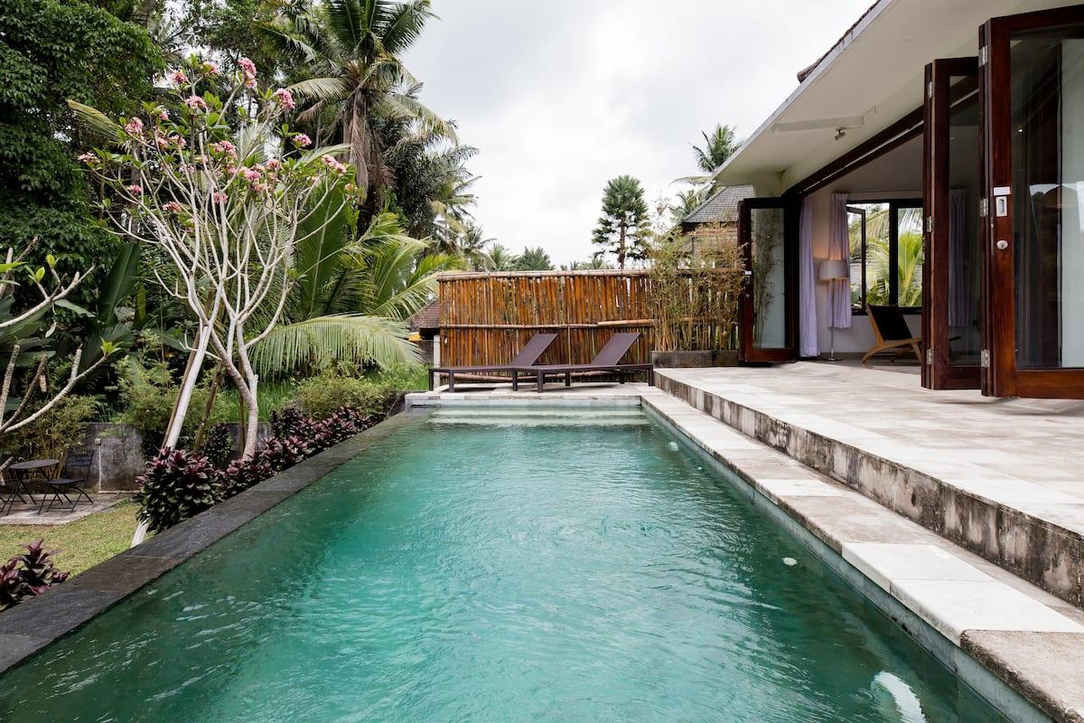Serviced Private Villa among Rice Fields near Ubud Center