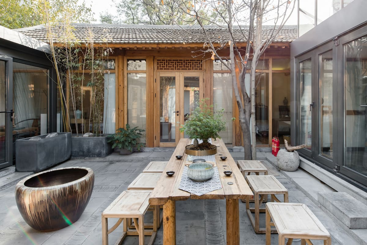 隐海理木客厅 西海边木艺传承中式四合院可住八人