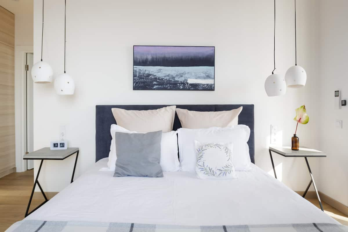 Discounts Available Luxury Designer Apartment Panoramic View