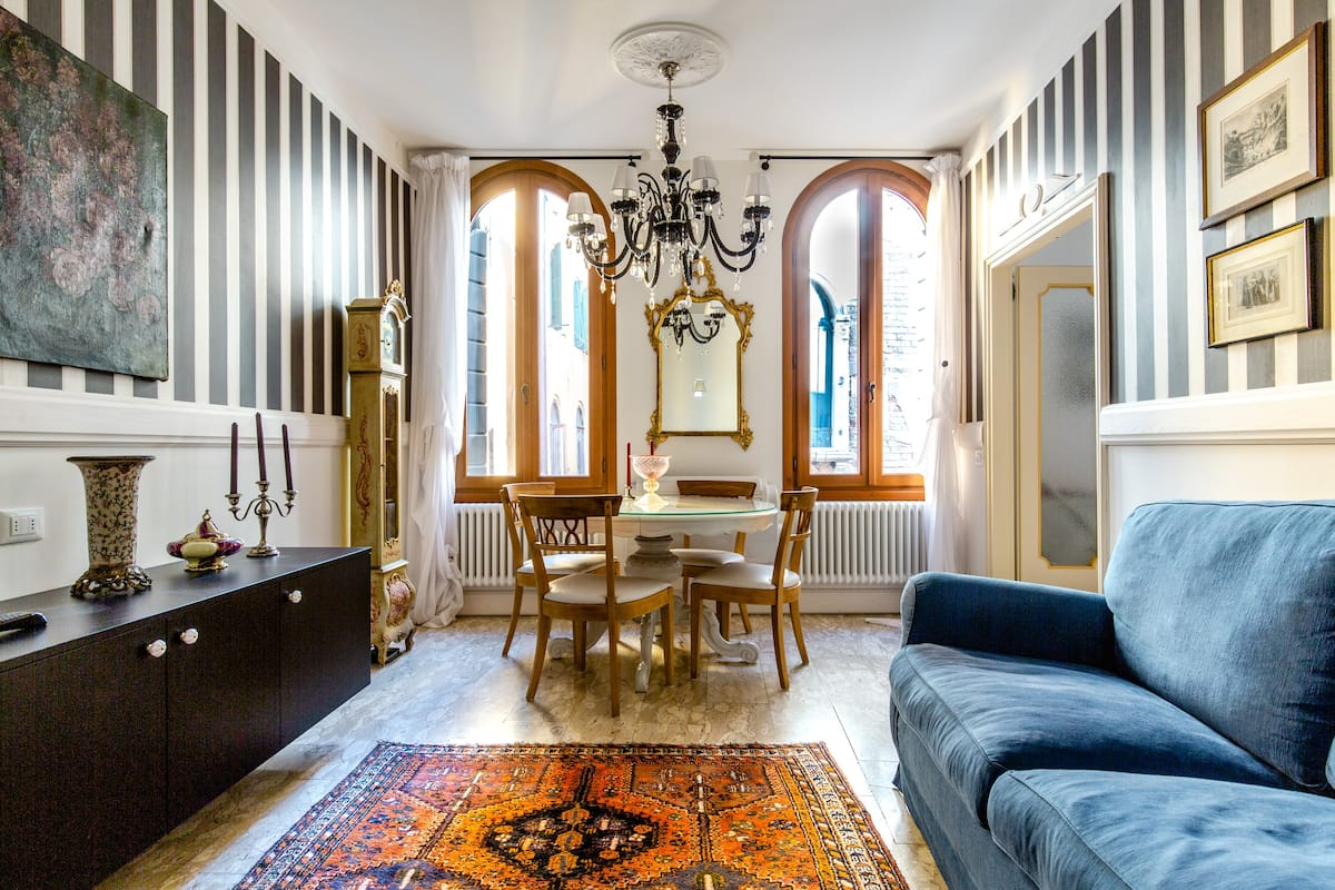 Dreamy Upscale Abode in the Heart of Venice