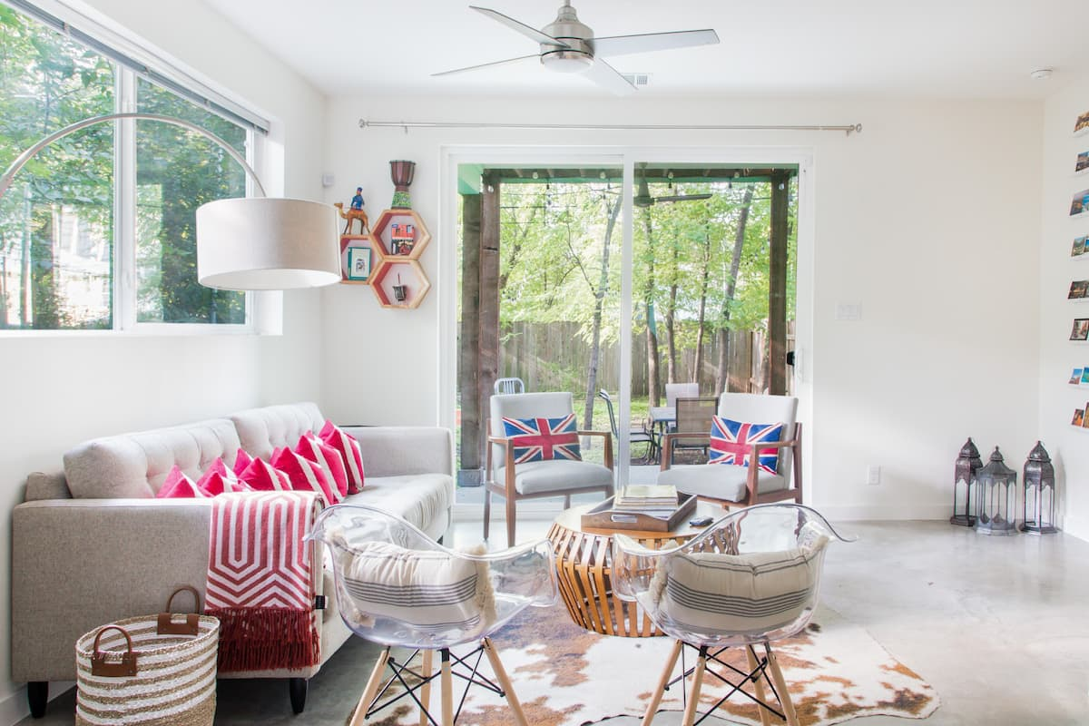 Be Inspired by this Artistic Home near Townlake