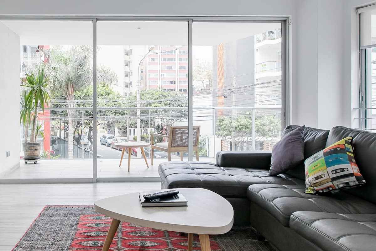 Open Minimalist Apartment in Miraflores near Larcomar Mall