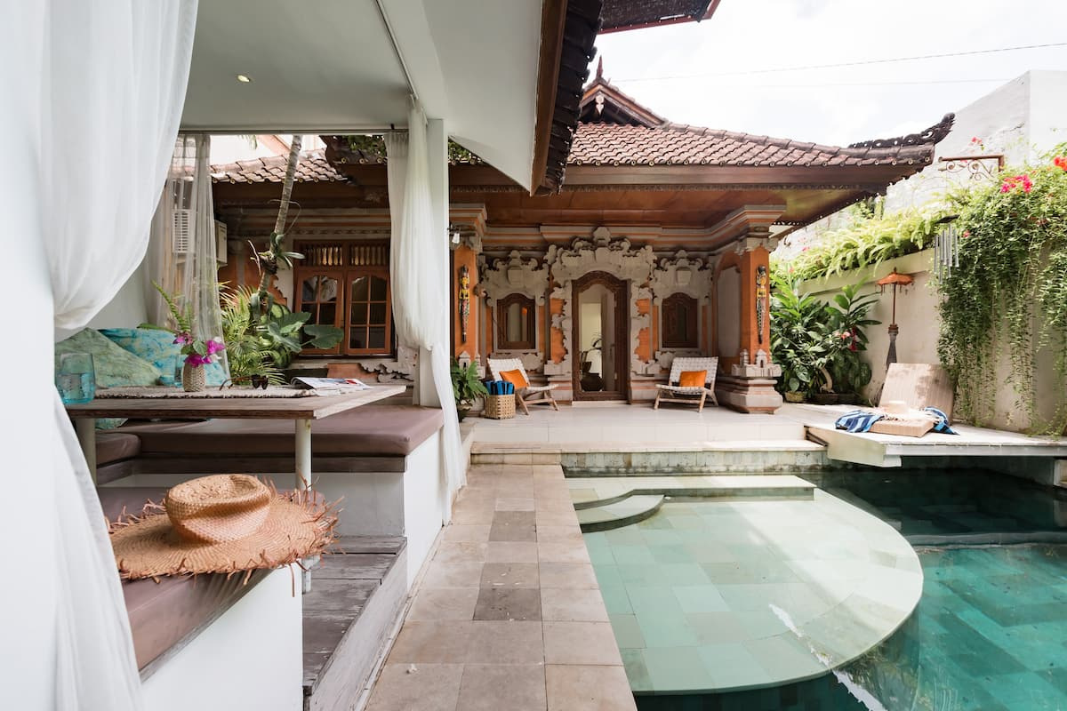 Tropical Suite in Villa with Outdoor Pool