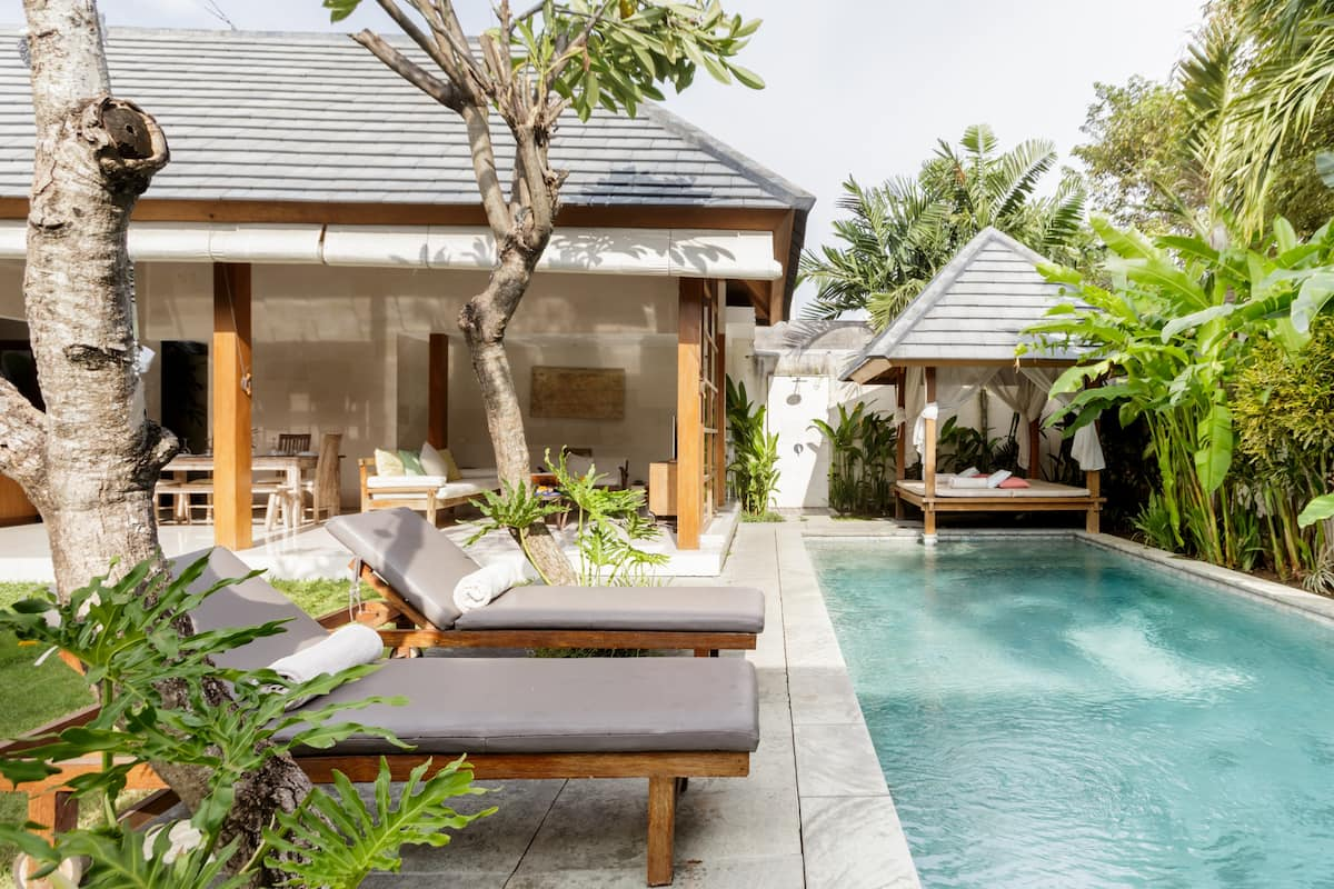 한국인호스트/日本語可  Villa Kim (Seminyak) · ✰ Lounge in the Shade by a Pool at a Villa ✰