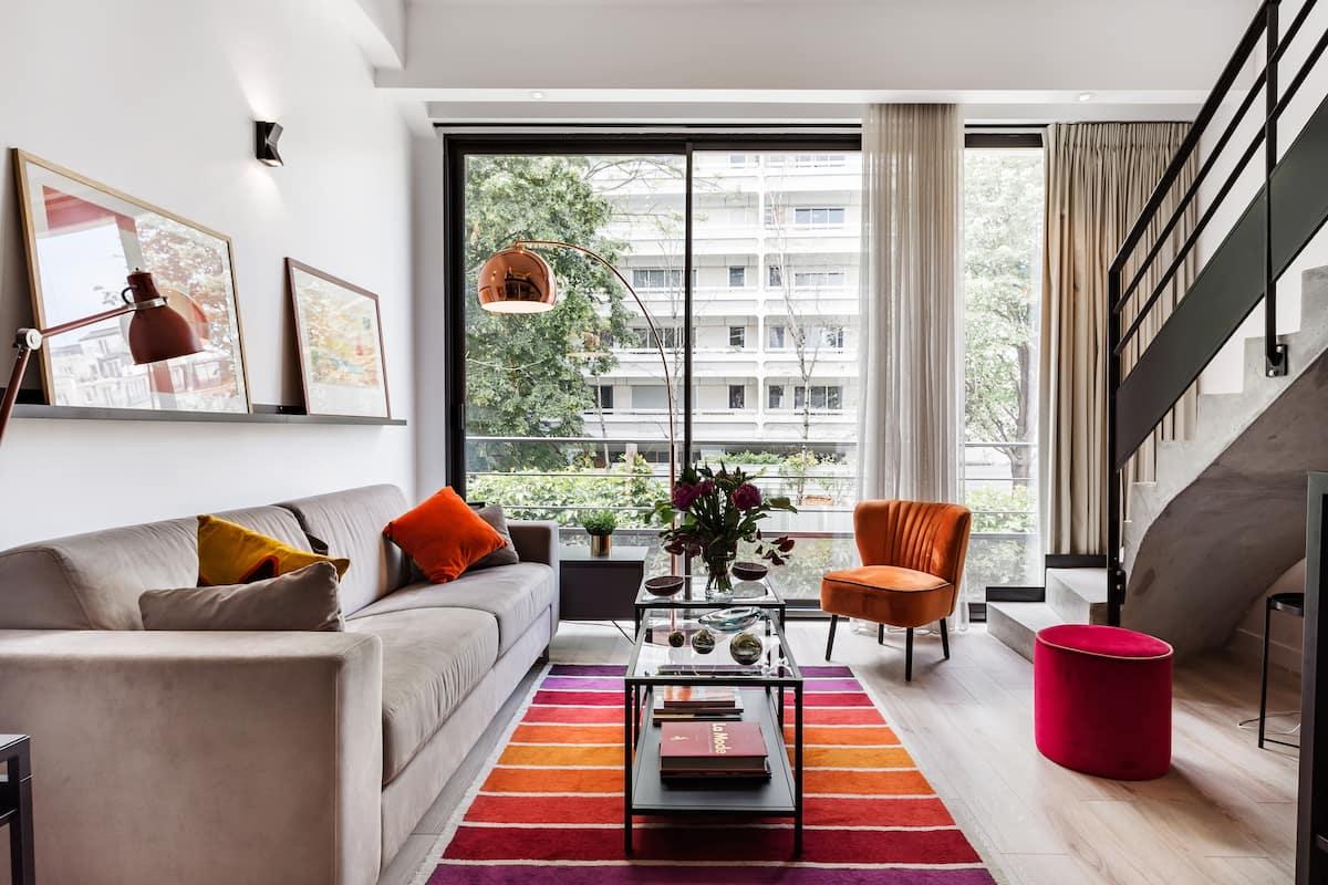 Loft Duplex rare à Paris dans une ancienne imprimerie entièrement rénovée.